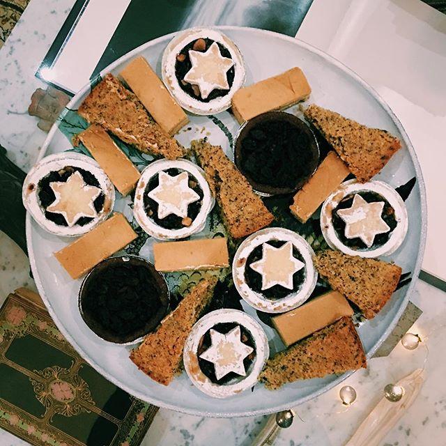 Amazing desserts at @ragegirrl & @marmitehippopotamus
