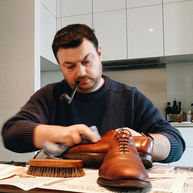 Pipe and shoe polish... perfect aromas :)